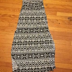 Tribal black and white maxi skirt small